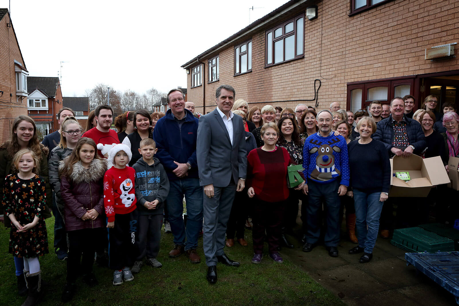 Steve Rotheram with the community at Christmas